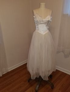 Gunne Sax 80s vtg white satin and mesh prom dress